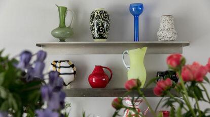 花器の存在感を楽しむ 個性的な花瓶を使い 花を楽しむ方法