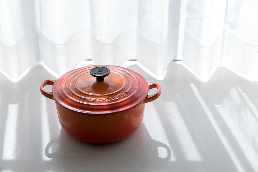 所有する50以上の鍋の中でもお気に入りは、お母様の形見のル・クルーゼ。今でも大事に使っている。