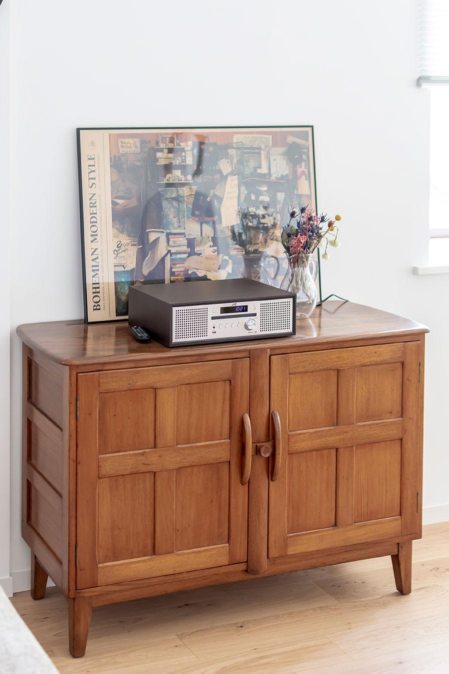 英国の家具メーカー「ERCOL」のキャビネット。
