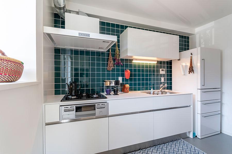 独立型キッチンの総面積は約4.2㎡。