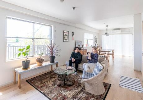夫婦の85㎡リノベーション 広々リビング×独立型キッチン。棲み分けるメリットは?
