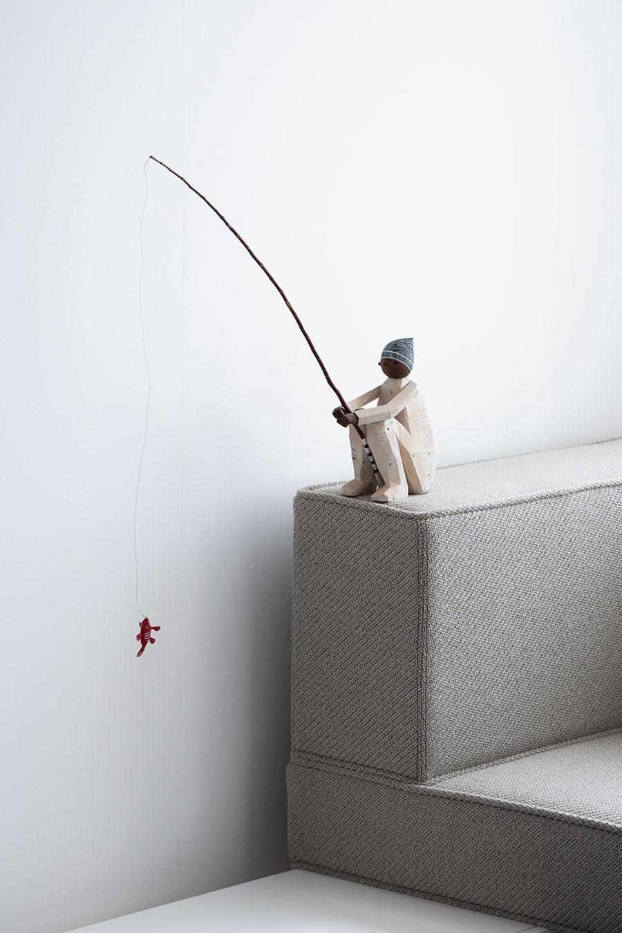 室内を飾るのは、友人のアーチスト中出武彦さんの作品のみ。