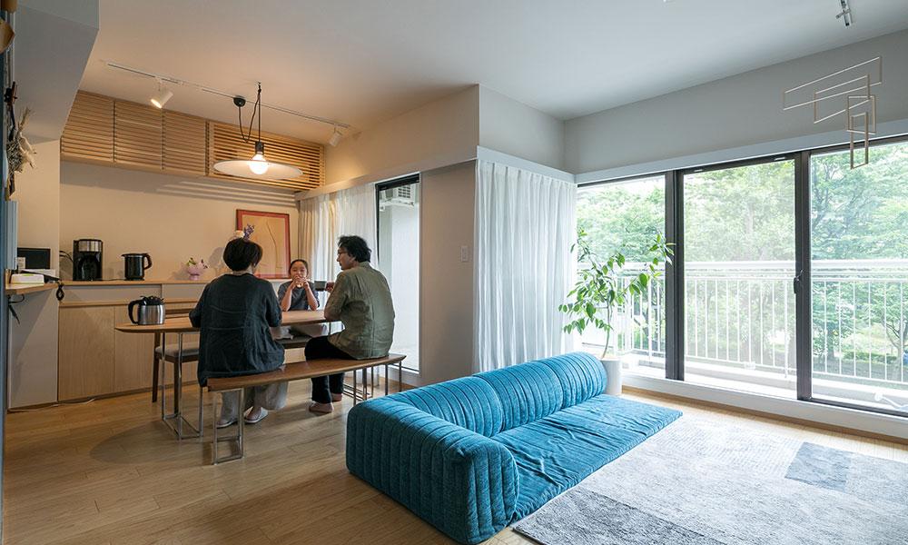 暮らしを整える小規模リノベーション 建具や家具を更新し、居心地のよいLDKに