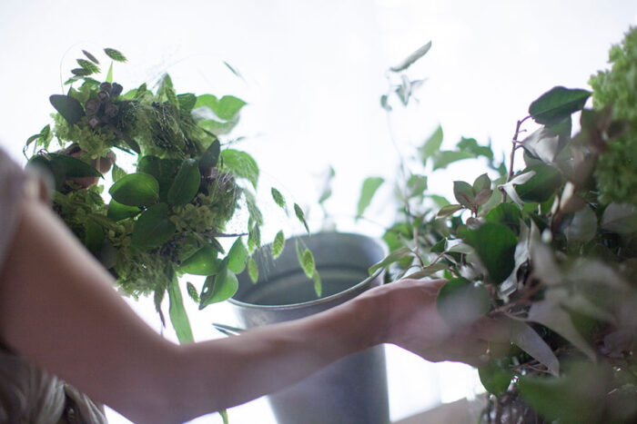 アナベルと合わせる花材は自由。自分の感覚を大切にアレンジしていきたい。