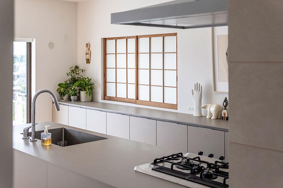 キッチン部分の総面積は約18㎡。