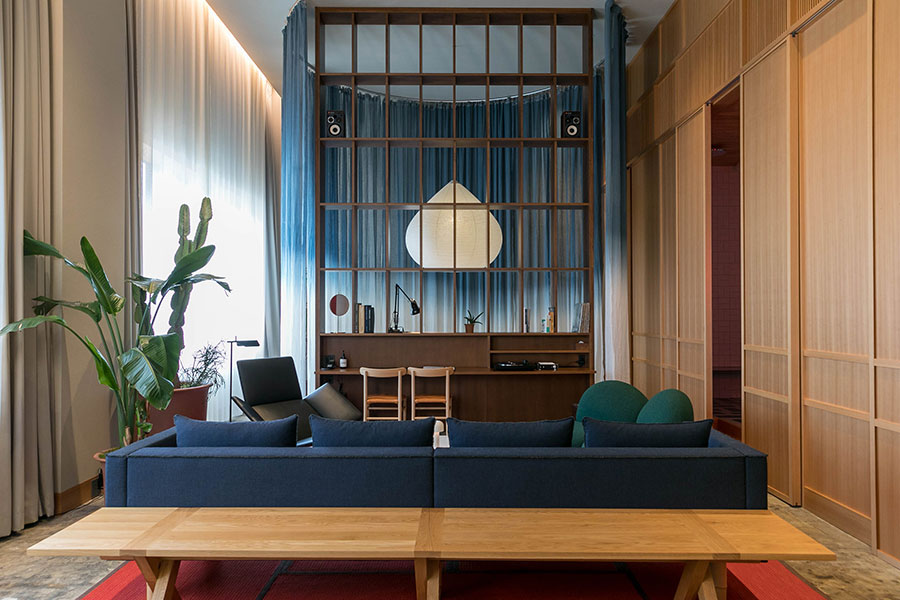 『HOTEL K5』のスイートルーム、「K5 LOFT」。北欧デザインと日本らしさが融合した美しい空間だ。