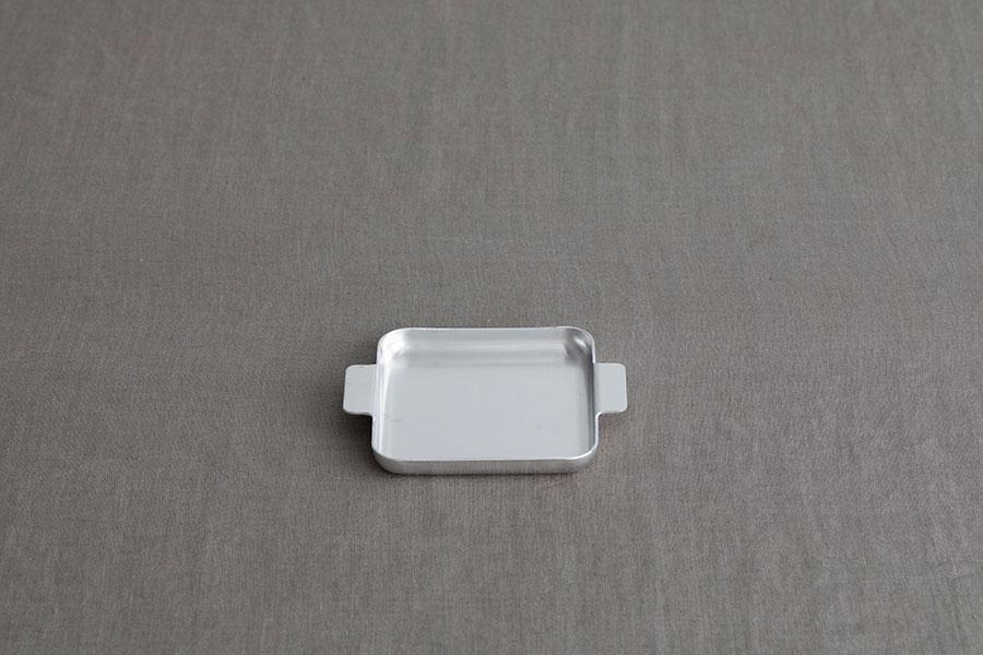 アルミニウム コースター W110 D110 H15mm ¥1,320 ユミコ イイホシ ポーセリン
