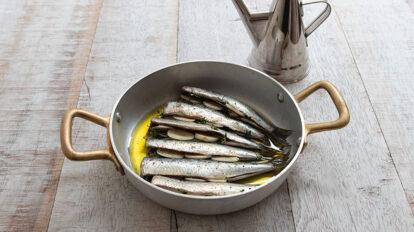 アルミのキッチン道具 プロも愛用する 美しい調理道具